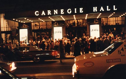 A humongous crowd gathers for THE KLEZMORIM's evening show at Carnegie Hall, New York City, 20 February 1983.