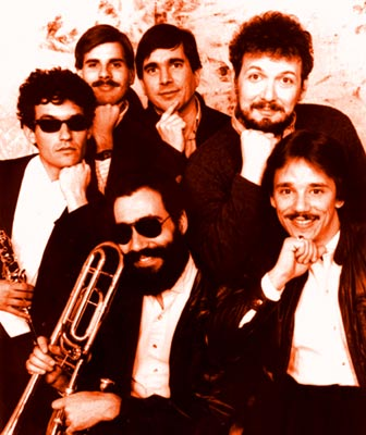 THE KLEZMORIM, 1986. Back row L to R: Ben Goldberg, Ken Bergmann, Donald Thornton, Lev Liberman. Front row L to R: Kevin Linscott, Chris Leaf.