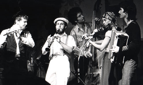 THE KLEZMORIM's original lineup at Freight & Salvage, Berkeley, 1976. L to R: Lev Liberman, David Julian Gray, Greg Carageorge, Laurie Chastain, David Skuse. [Photo: Dennis Galloway]